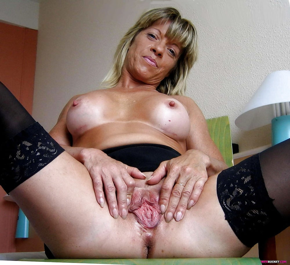 Gallery moms pussy porn — photo 8