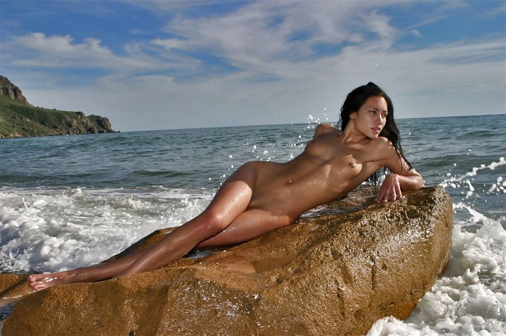 Sexy women desktop wallpaper-9568