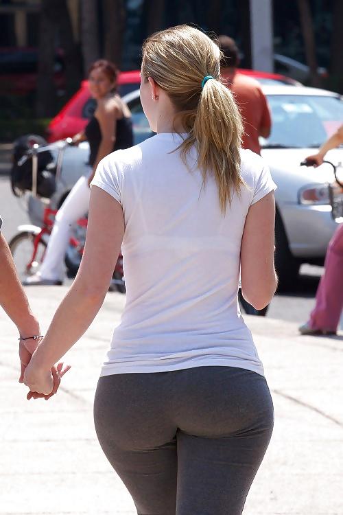 Big booty public porn-4333