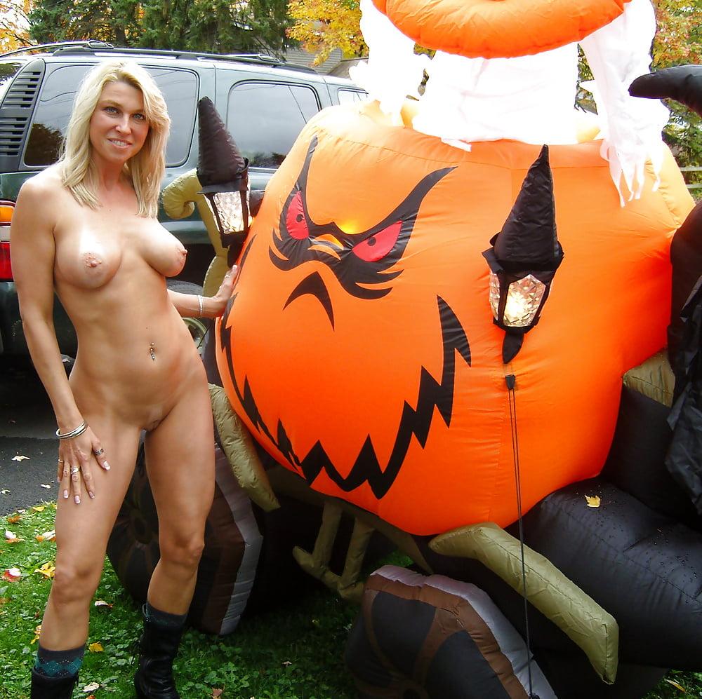 Naked halloween girl nude