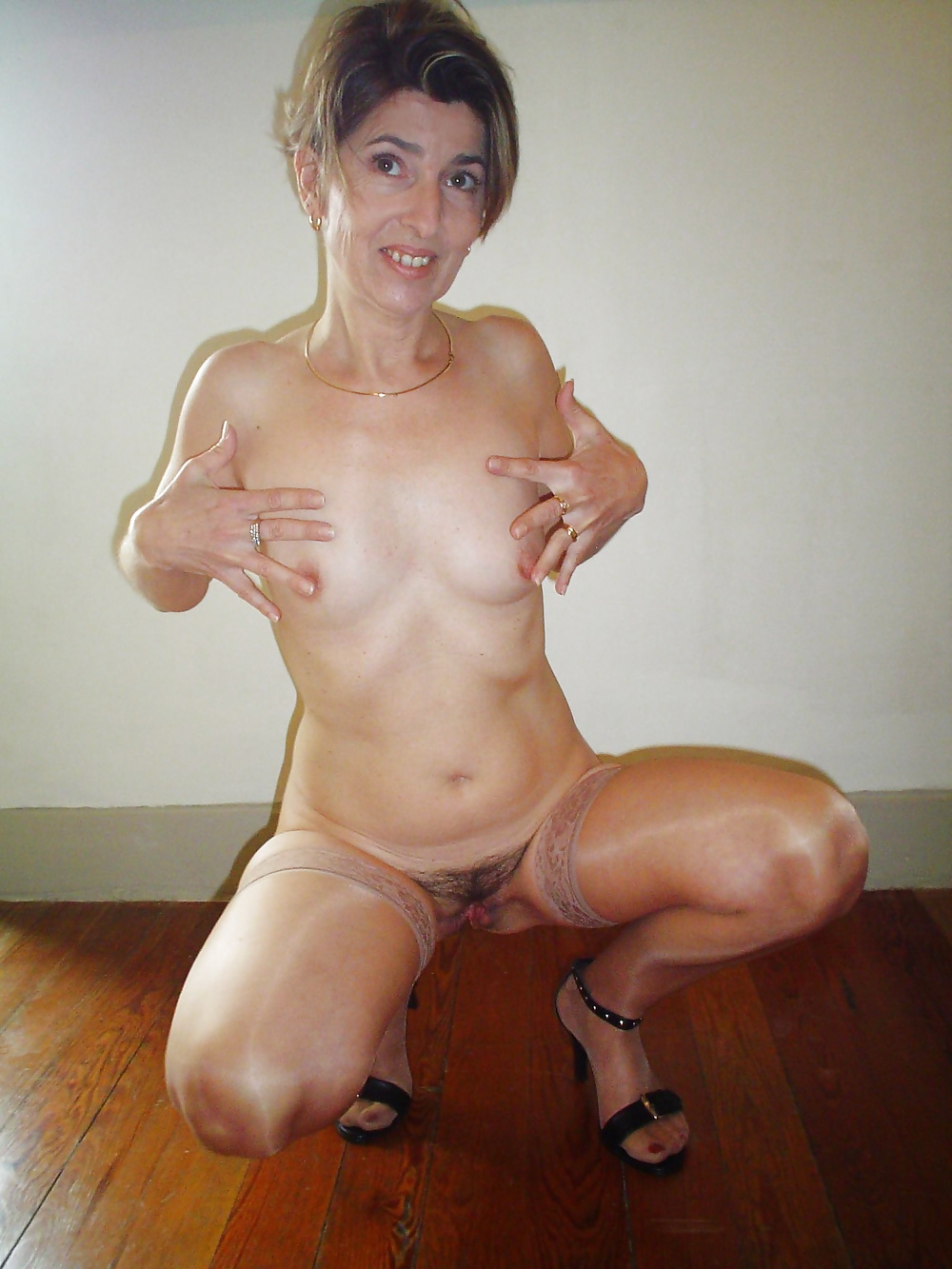 Natural mature women pics-2389