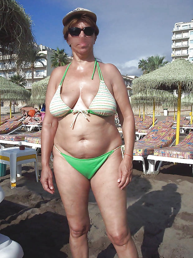 линао становилась пожилая женщина меняет купальник собираются порно комиксы