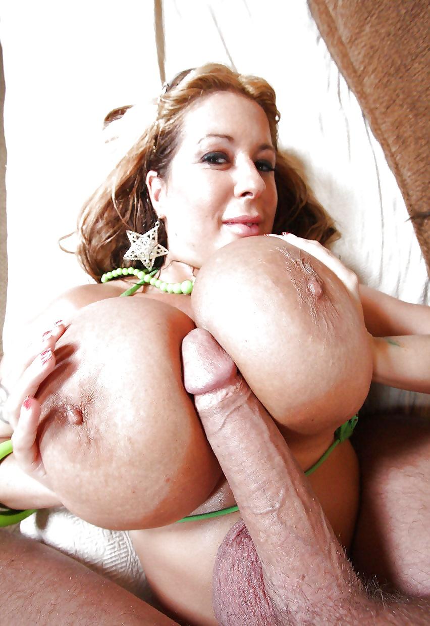 порно большие груди большой член любимое