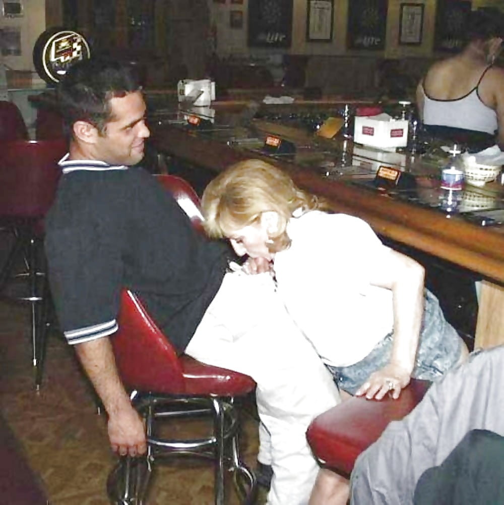 scooby-porn-blowjob-in-bar-womens-nude