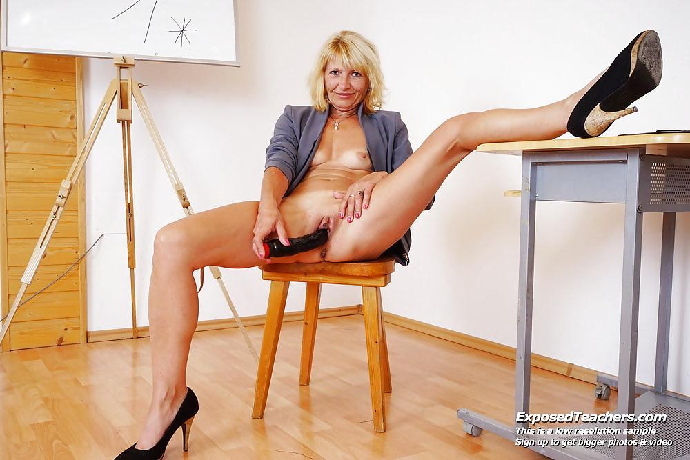 Blonde masterbation porn