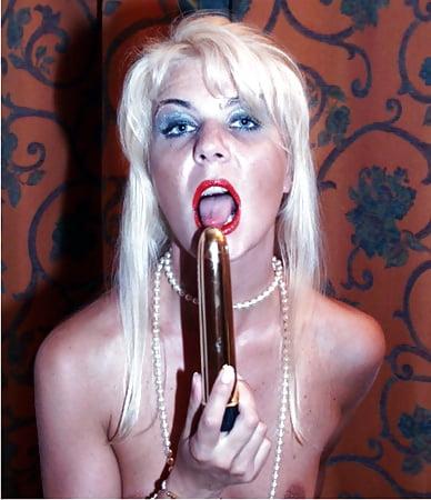 Coco the slut Sexy en Pics of Blonde - 10 - Coco la Perra