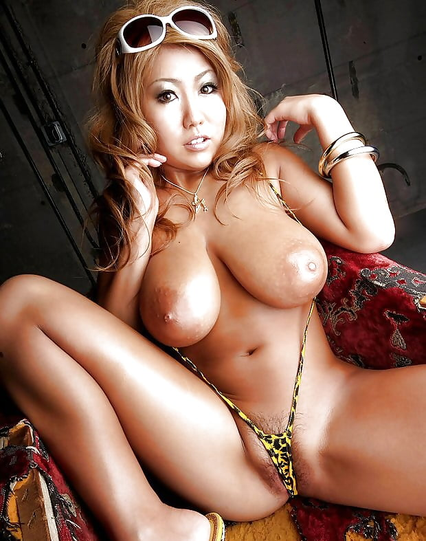 Сиськастые китаянки порно