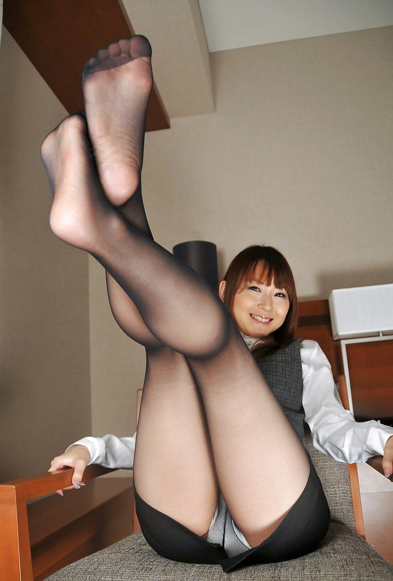 Porno pictures of japanese girls in pantyhose