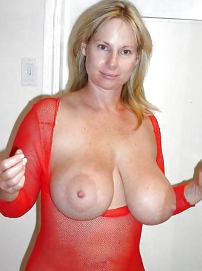 Big round tits mommy banged hard style on cam clip