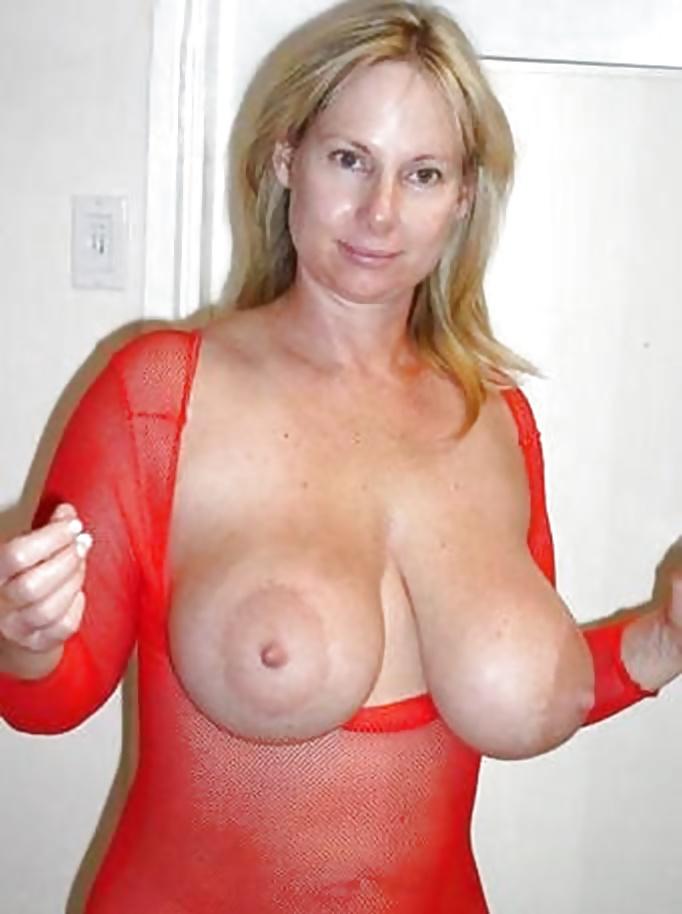 Big Boobs Mom Pics And Perfect Tits Porn