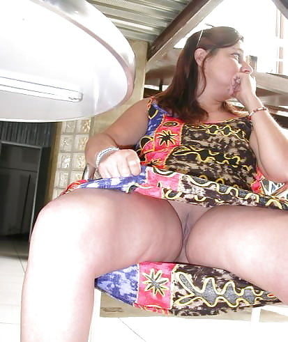 Amateur shaved chubby wife with coin slot pussy