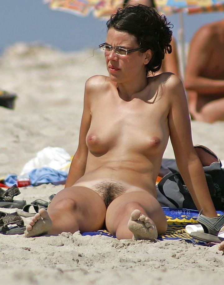 Hairy women voyeur cam