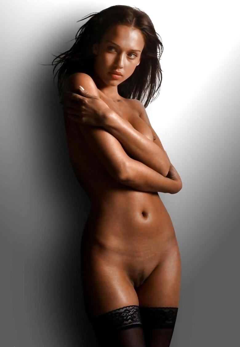 jessica-alba-sexy-half-naked-photos