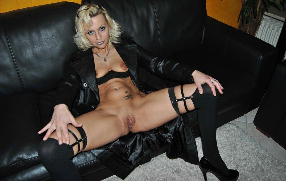 nude-milf-stockings-sex-ape