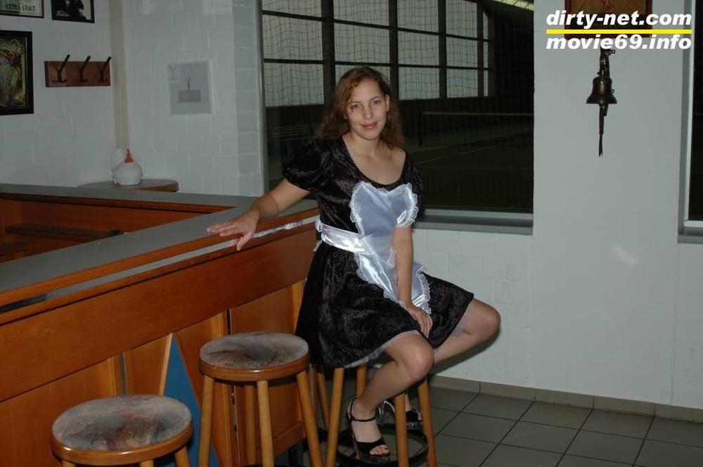 Teen Nathalie strips in a tennis club