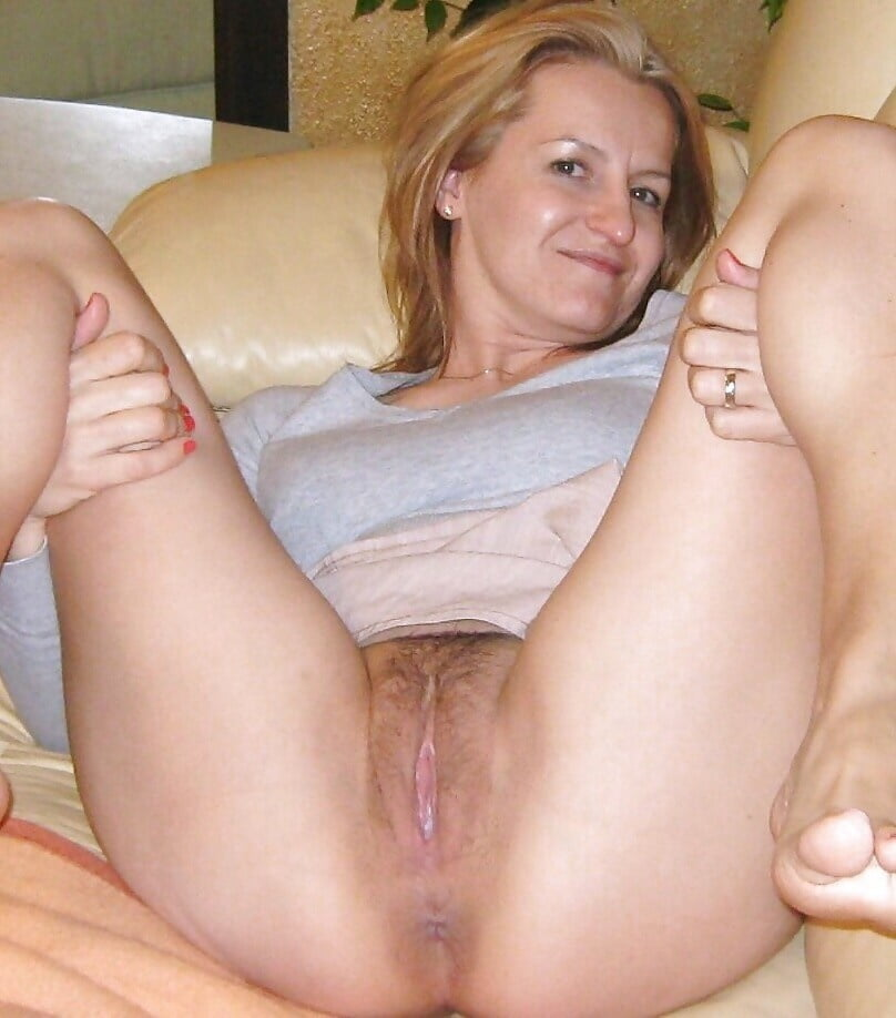 wifes-pussy-thumbs