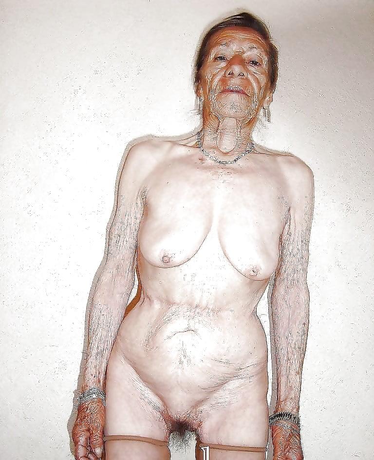 pics-of-ugly-naked-women-petite-mini