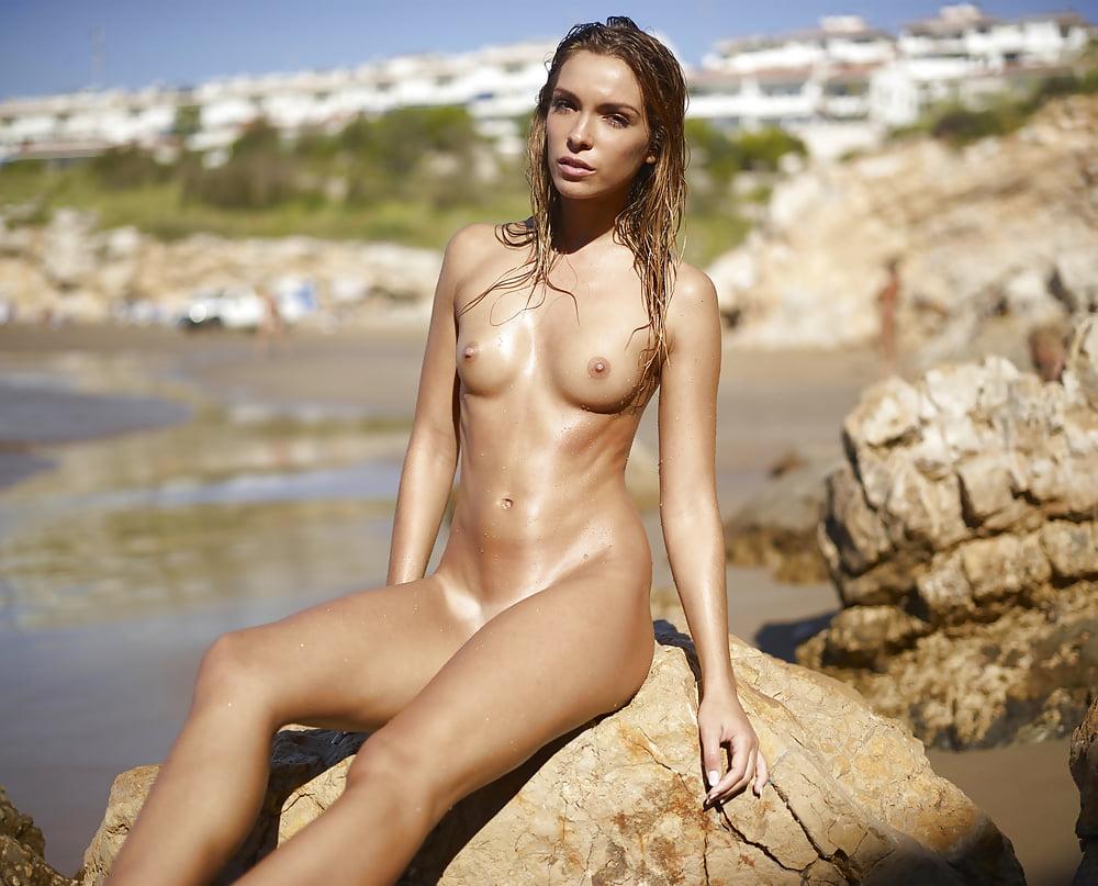 High Resolution Redhead Nude Art