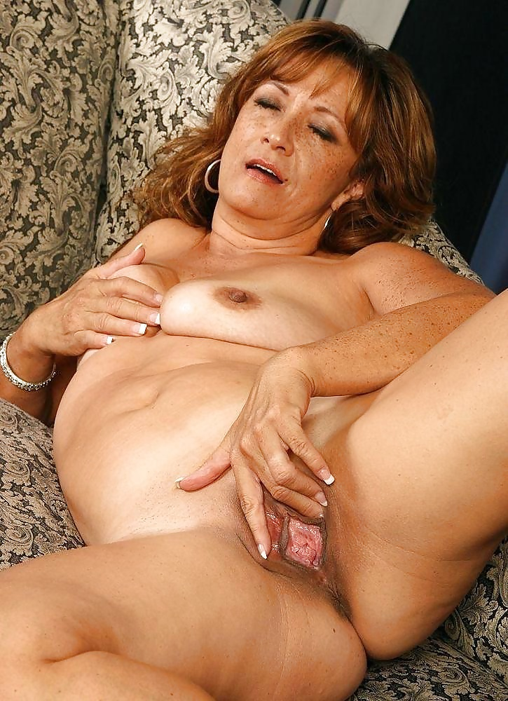 adult-mature-galleries-rate