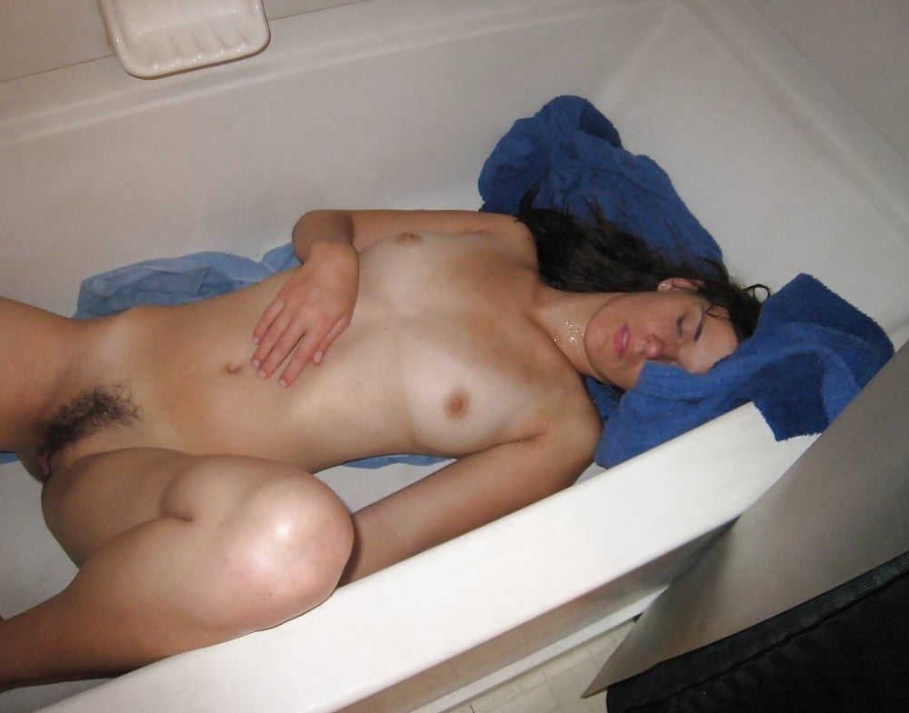 One nude drunk passed out girl fuck on video, selfshots of sexy womens pussy