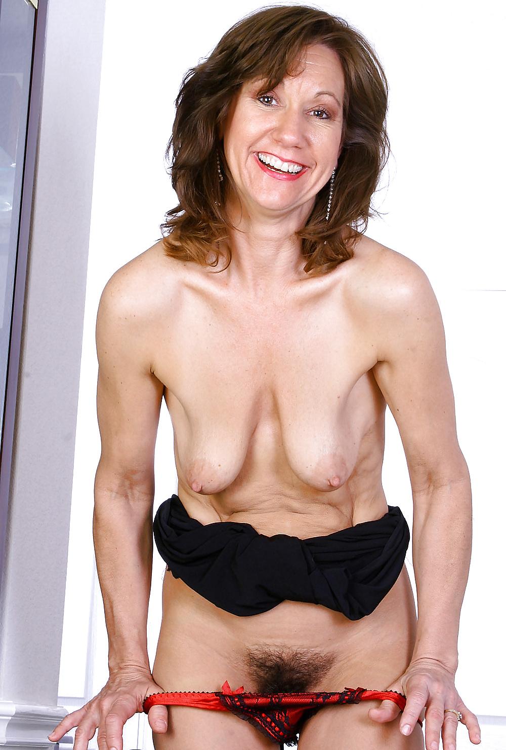 Mitchellen mature milf taking off panties pictures