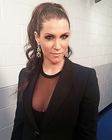 stephanie mcmahon cleavage