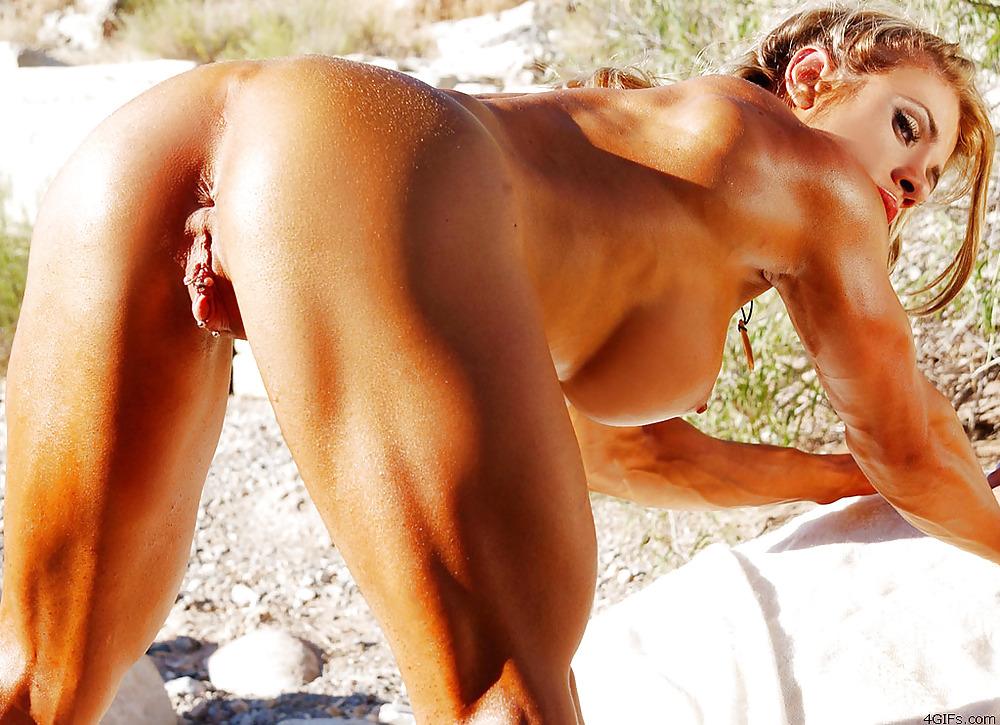 в фото голые накаченные девушки изо