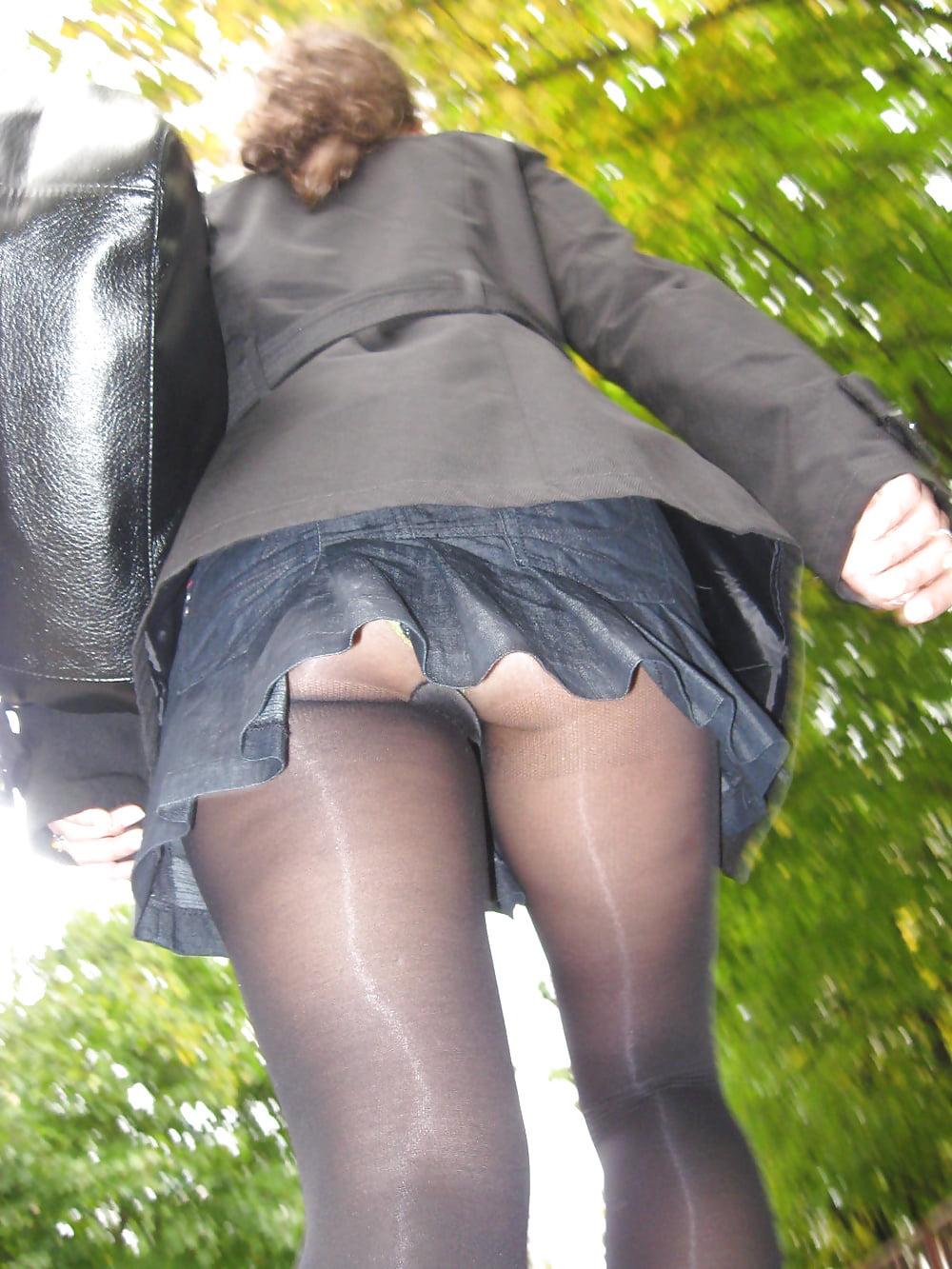 Upskirt pantyhose and foot