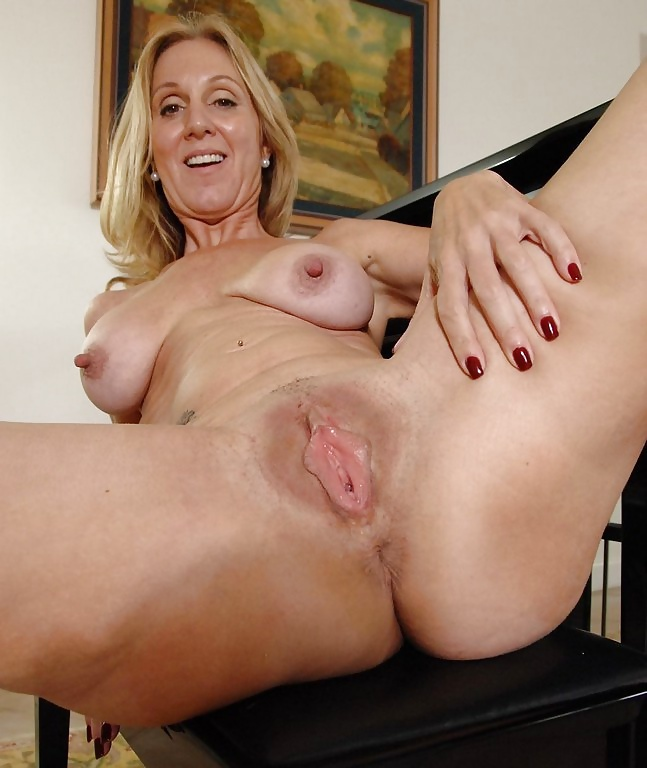 Mature mom pussy video — img 14