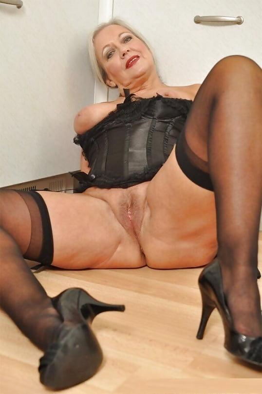 Porn lesbian mature nylon pictures free sister