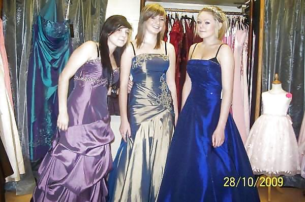 Prom dresses for girls with small boobs-3242