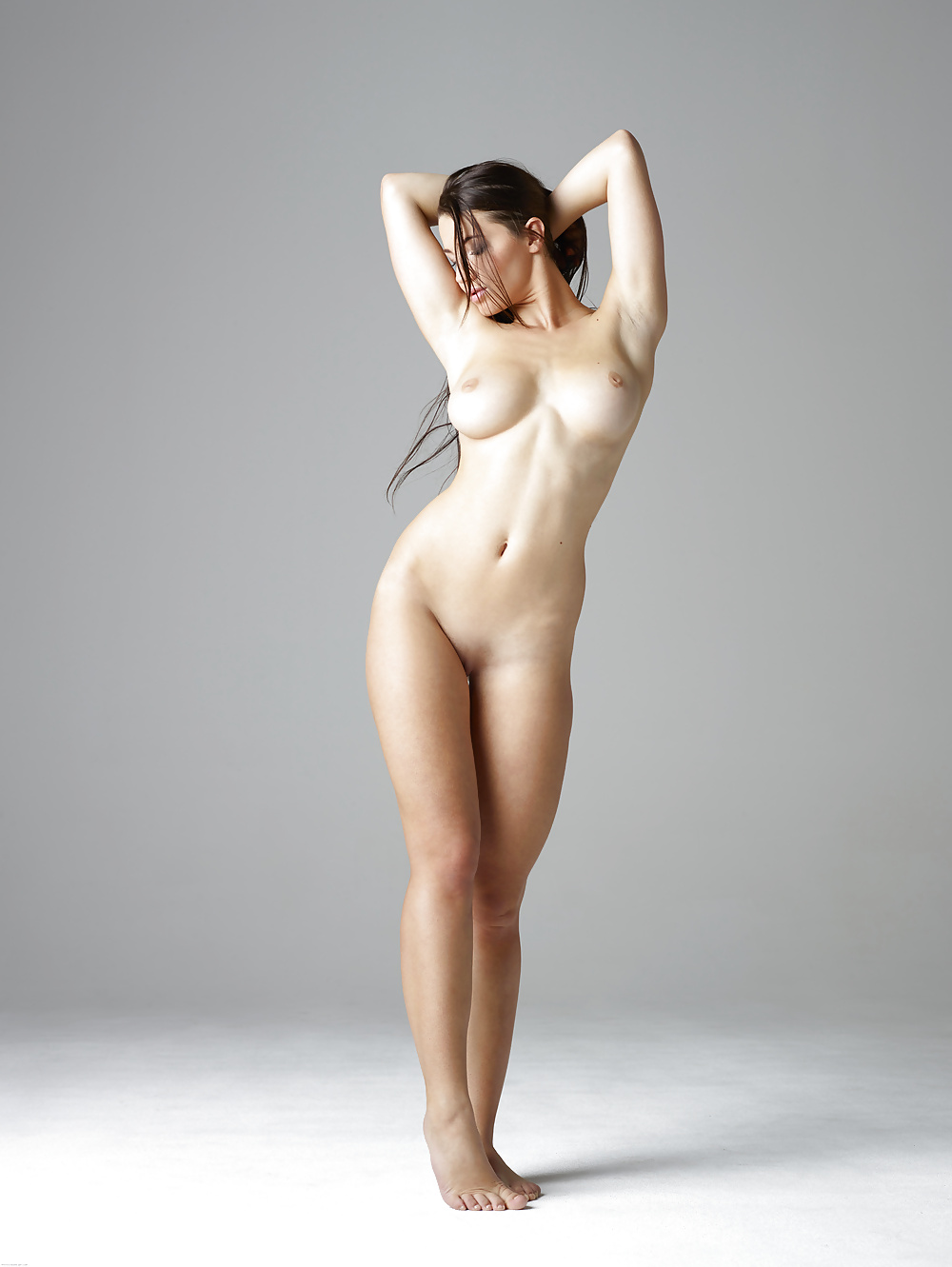 full-size-nude-girls