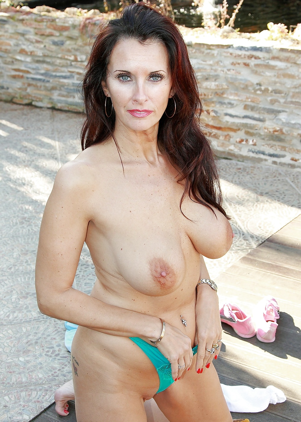 Soft, Saggy And Hanging Tits 21 - 17 Pics  Xhamster-5827
