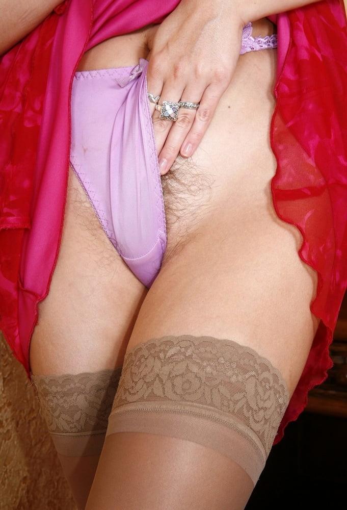 Одеваются В Кружевные Трусики Порно Фото