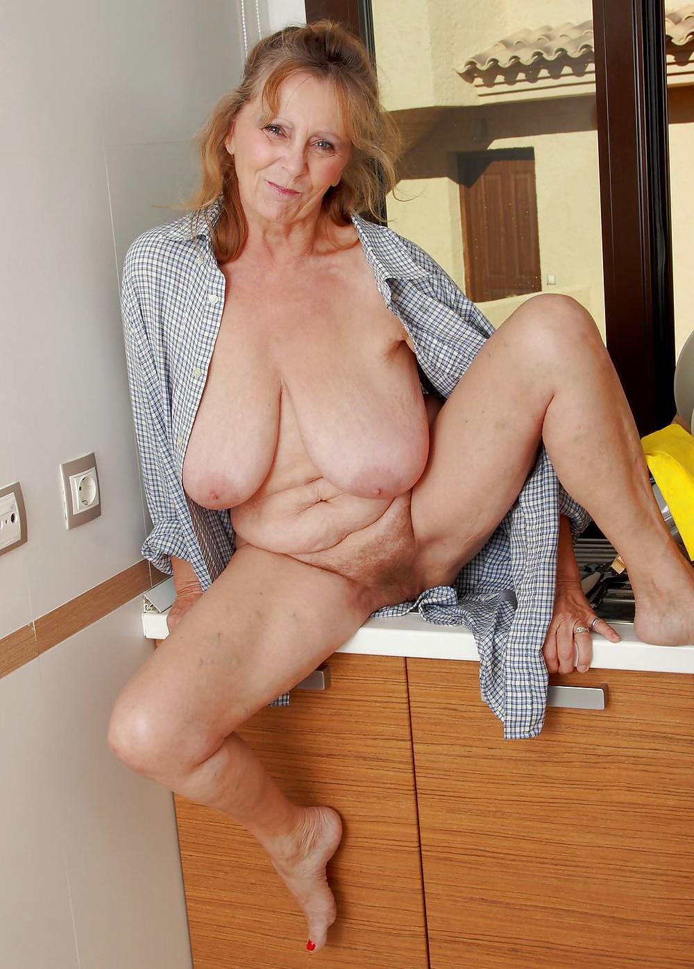 голые худые зрелые бабы с большими дойками онлайн глаза затаив