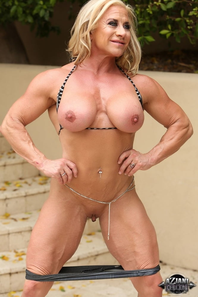 Dirty muscle wanda, bikini and micro photos
