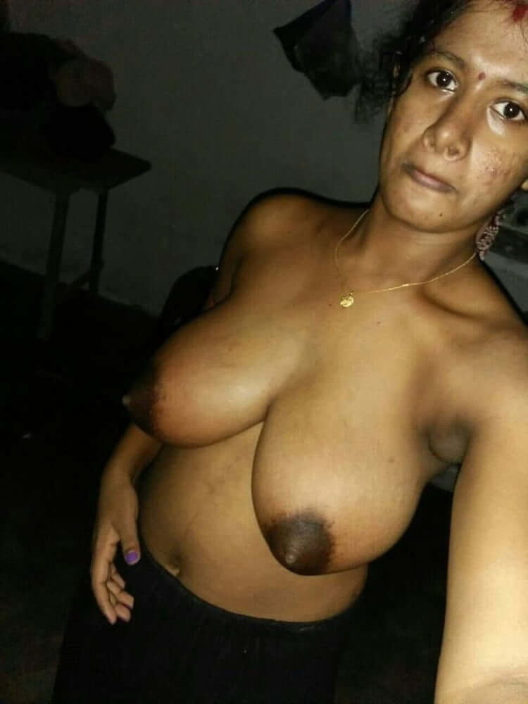Lovely indian bhabhi naked big boobs pic collection