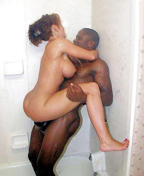 pimpsexposed-black-porn-woman-in-shower