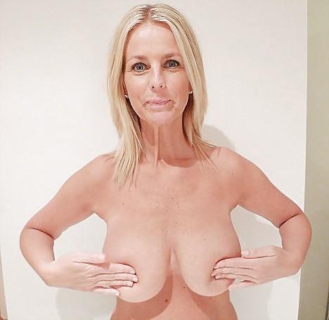 Baileys room nude pics
