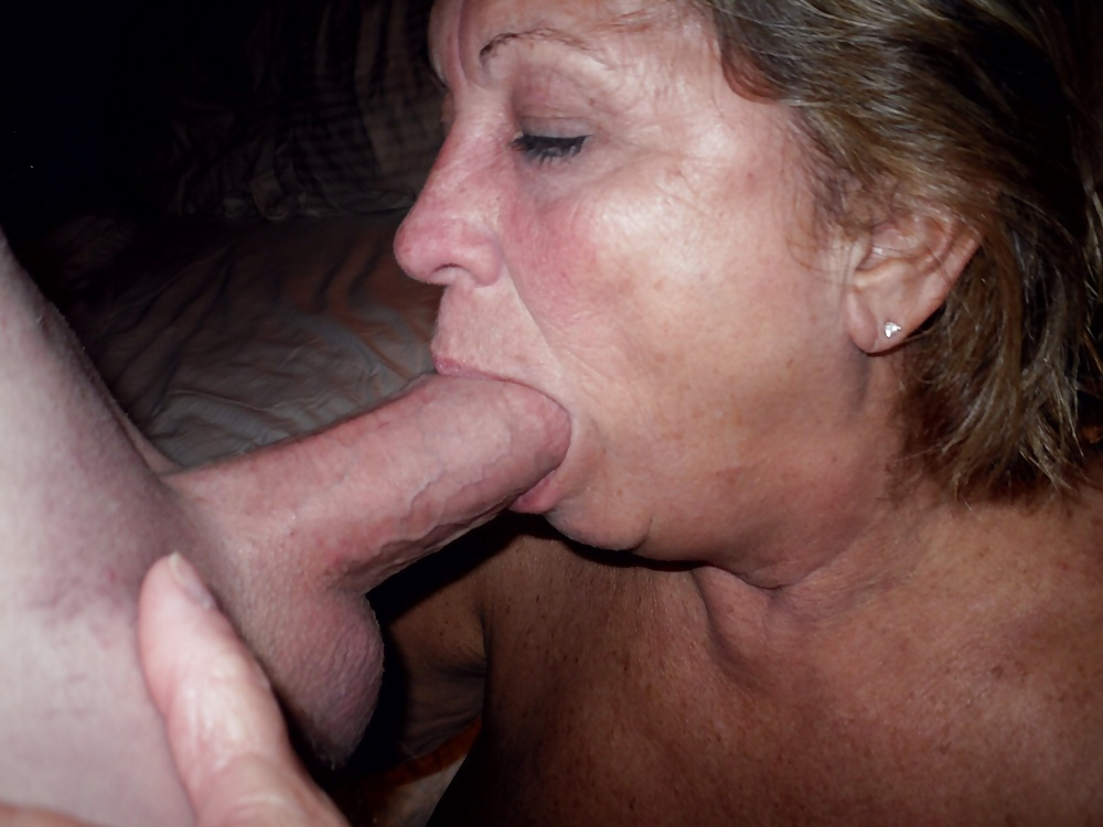 Mature women giving oral sex 8
