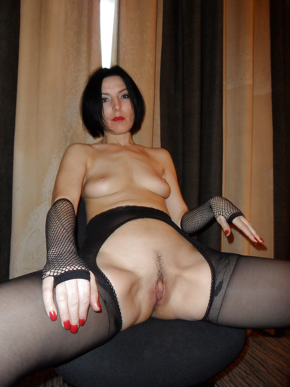 зрелые женщины стройные сучки раздвигают ножки порно фото
