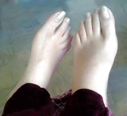 indian pakistani feet