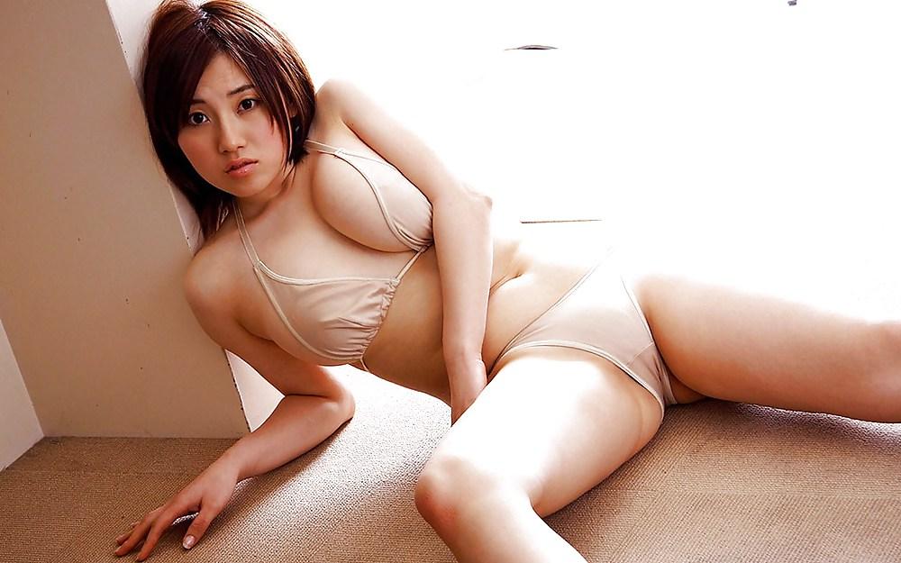 japanese-naked-chick