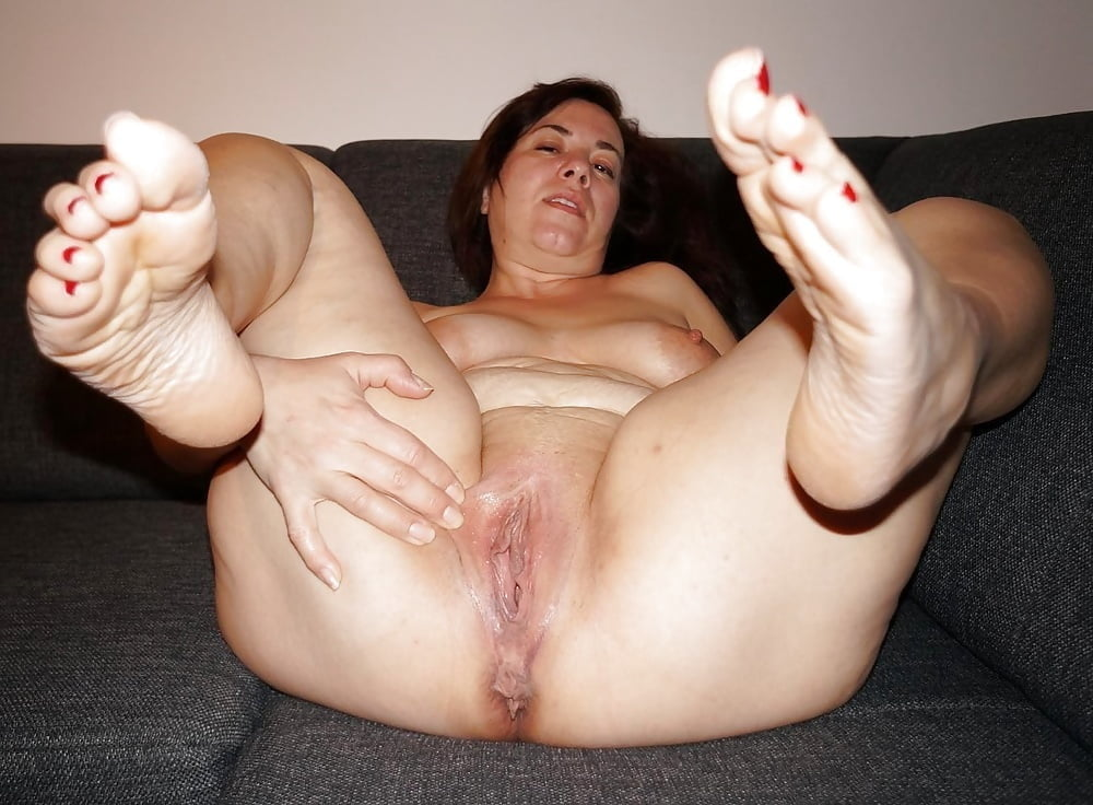 Mature Feet Shoesplay Slapping In Woody Mules