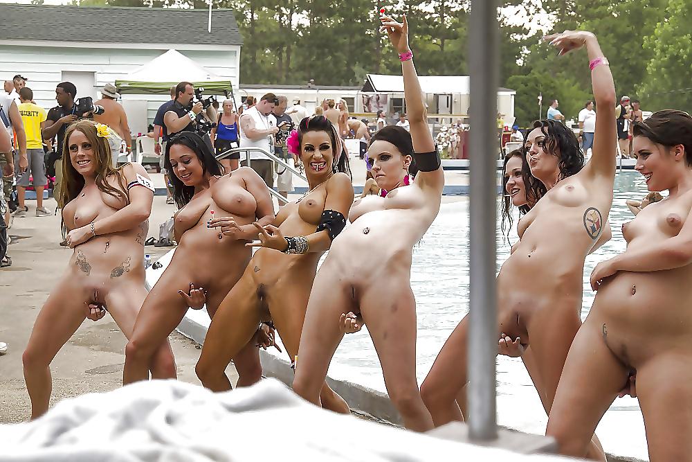 видео конкурс голых пизды очень внимательно