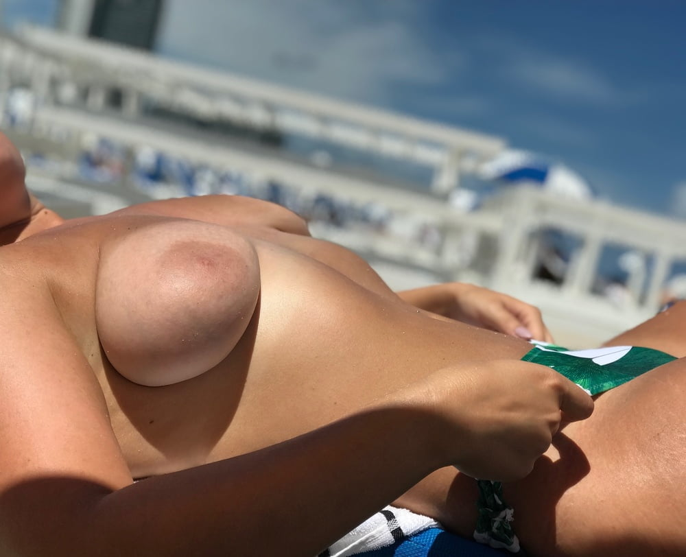 wife-topless-public
