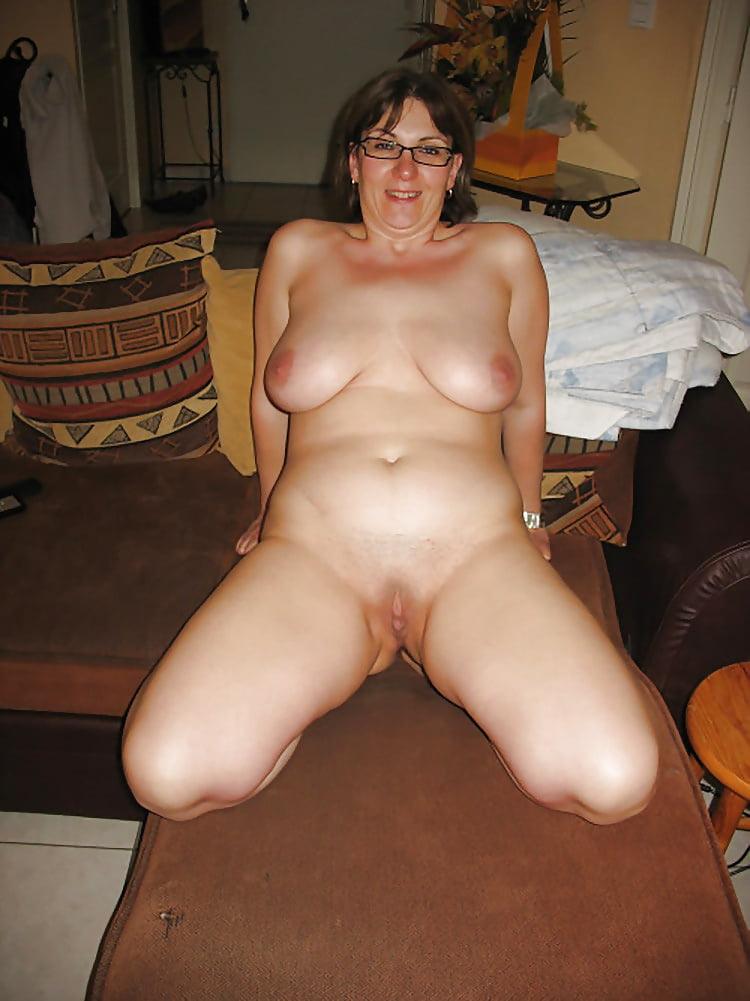 Chunky amateur nude moms 9