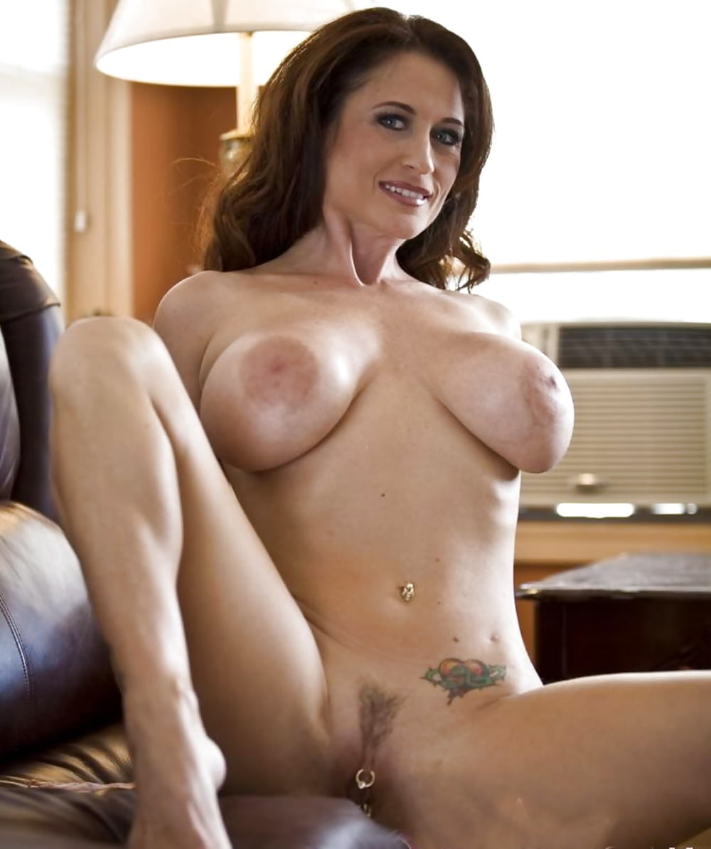 hot-moms-uglier-nude-chocolate-pussys
