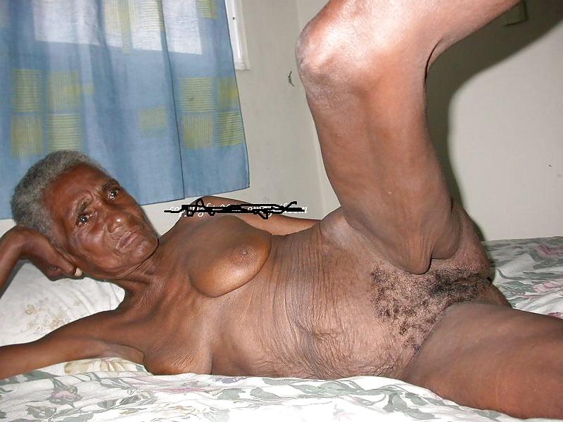 Nude black oma 15