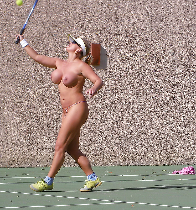 Tennis mom naked, university girls sex xx